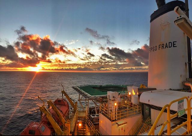 Petrorio - plataforma de Frade.jpg